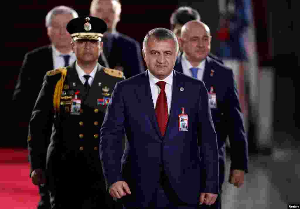 El presidente de Osetia del Sur Anatoly Bibilov asistió a la investidura de Nicolás Maduro.
