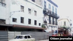 Reporta Cuba Foto Alejandro Domínguez Edificio en Centro Habana.