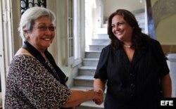 Dandan se reúne con la viceministra primera de Educación, Cira Piñeiro.