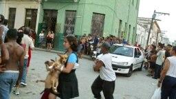 El arresto de Raúl Rivero, el 20 marzo de 2003 en Habana.
