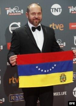 El actor y director de televisión venezolano Miguel Ferrari a su llegada a la ceremonia de entrega de los IV Premios Platino del cine iberoamericano.