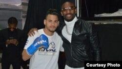Los boxeadores cubanos Robeisy Ramírez (izq.) y Yordenis Ugás.