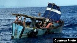 Autoridades hondureñas creen que el tráfico de personas está incrementando la llegada de cubanos por mar al país centroamericano.
