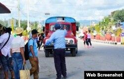El servicio de transporte público en Cuba es deficiente. (Captura de Foto/Escambray)
