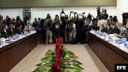 Vista general durante la primera reunión EEUU-Cuba tras el anuncio del restablecimiento de sus relaciones diplomáticas (21 de enero, La Habana).