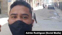 Esteban Rodríguez, activista de los derechos humanos y reportero de ADN Cuba.