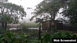 """""""Aquí los vientos fueron fuertes, y mucha lluvia, inundado. Todavía no hay paso, Guane está incomunicado""""."""