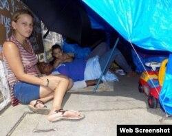 El grupo de migrantes cubanos busca obtener asilo en Estados Unidos.