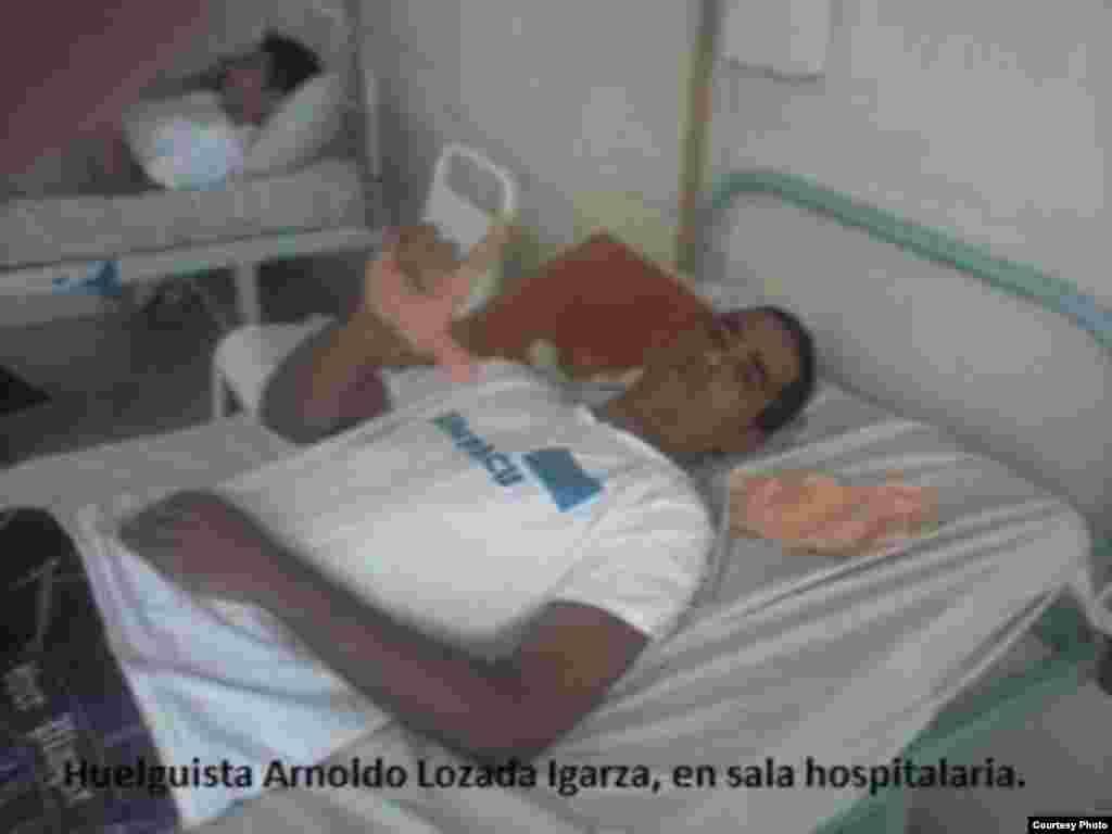 Huelguistas apoyan a Luis Enrique Lozada Igarza