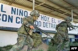 Soldados de EEUU el 23 de diciembre de 1989 en Santiago, Panamá.