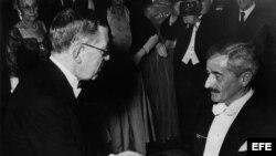 El rey Gustavo Adolfo VI, entrega el Premio Nobel de Literatura, 1949, al escritor norteamericano William Faulkner.