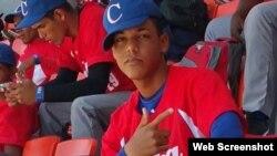 El pelotero espírituano Roberto Hernández, de 15 años de edad, abandonó recientemente Cuba con la intención de jugar en las Grandes Ligas.