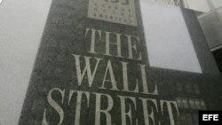 """Vista de la fachada de las oficinas de """"The Wall Street Journal"""", en Nueva York (EEUU)."""