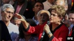 La presidenta brasileña Dilma Rousseff participa en un acto de celebración del Día Internacional de los Trabajadores.