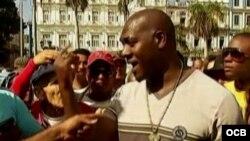 Mensaje desembotellado: De regreso en La Habana, el multimillonario lanzador José Ariel Contreras, antes considerado un traidor,.