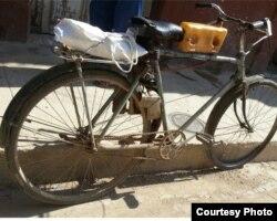 "Más humilde, pero resuelve: un ""Riquimbili"" hecho con un cuadro de bicicleta (O.González)"