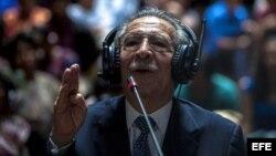 José Efraín RíosMontt se declara inocente hoy, jueves 9 de mayo de 2013, ante la corte, de los cargos de genocidio y crímenes de guerra de los cuales lo acusa la Fiscalía, en Ciudad de Guatemala (Guatemala).