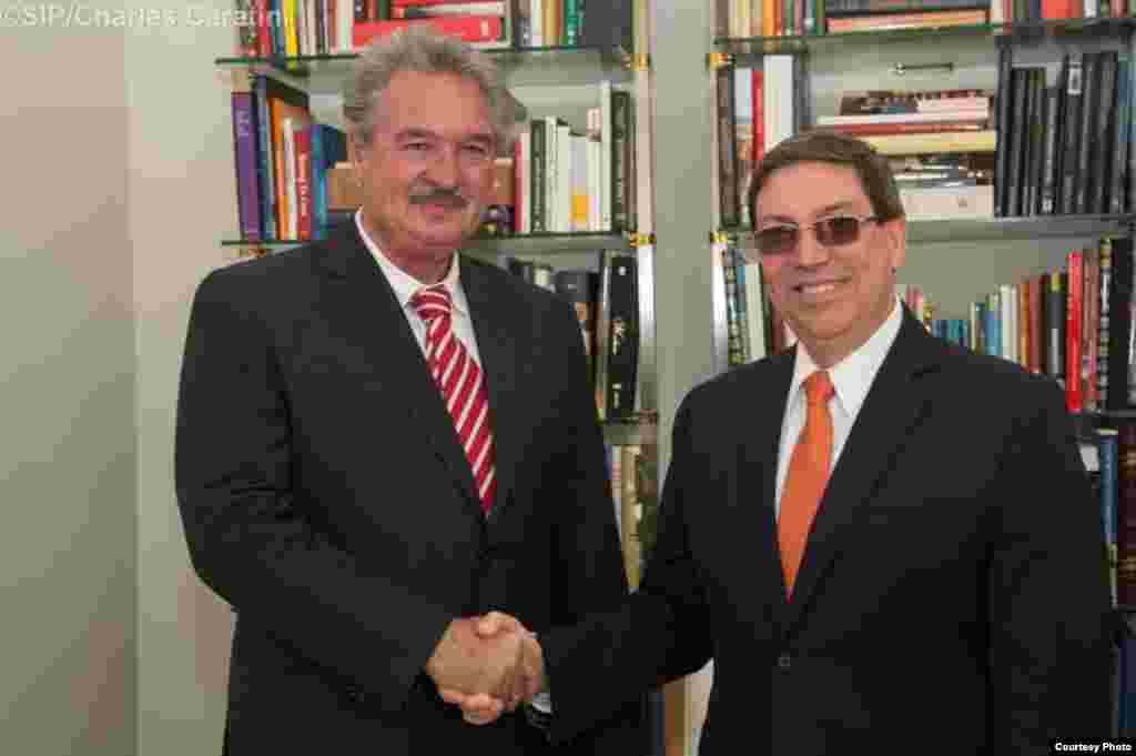 Canciller cubano con el canciller de Luxemburgo, Jean Asselborn.
