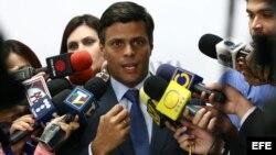 """Leopoldo López denunció que el gobierno venezolano ha iniciado una """"arremetida"""" contra la disidencia."""
