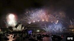 Fuegos artificiales y mucha ilusión embarga la llegada del 2014.