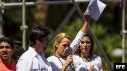 Lilian Tintori, esposa del dirigente político detenido por las autoridades Leopoldo López.