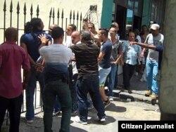Reporta Cuba. Represión contra activistas, domingo 12 abril. Foto: Ángel Moya.