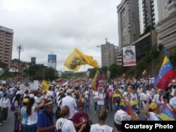 La Toma de Caracas. Cortesía de Alvaro Algarra Corresponsal de la VOA en Caracas.
