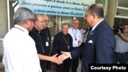 Presidente de Costa Rica Luis Guillermo Solís con los obispos de Centroamérica.