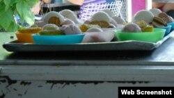 Cuba Reporta. Oferta de helados en un mostrador de la famosa heladería Coppelia, de La Habana.