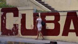 Cubanos reciben con cautela resolución 98 sobre conexión a Internet