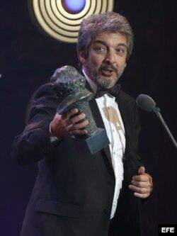 """El actor Ricardo Darín recibe el Goya al mejor actor por su papel en """"Truman""""."""