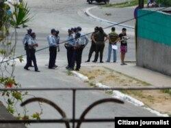 Asedio desde el sábado 7 de mayo en la sede de las Damas de Blanco, Lawton, Habana