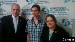 En el centro, Gilad Shalit. Martí Noticias/ Radio Martí