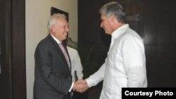 Hasta aquí llegó Margallo: el vicepresidente Miguel Díaz-Canel fue el más alto jerarca cubano en recibir al Canciller español.