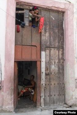 """""""The Economist"""" señala que en Cuba hay más pobreza que en países vecinos."""