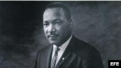 1800 recuerda al revenendo y Doctor Martin Luther King, Jr.