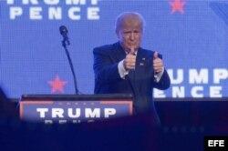 """Trump en Miami: """"El próximo Presidente puede revertir las concesiones de Obama a Castro, y eso es lo que haré""""."""