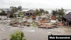 Casas dañadas por el huracán Ike en 2008