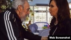 Diario oficial cubano Granma divulga foto de reunión en La Habana entre Cristina Fernández y Fidel Castro