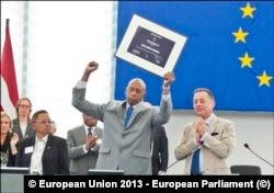 Guillermo Fariñas recibe el Premio Sájarov en el 2013