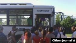 Reporta Cuba. Transporte en Manzanillo.