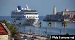Crucero Adonia, entrando a la Bahía de La Habana