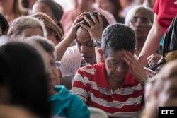 La oposición venezolana denuncia trampas masivas en los comicios regionales.