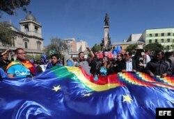 Bolivia recibe el fallo con tristeza en espera de una reacción oficial.