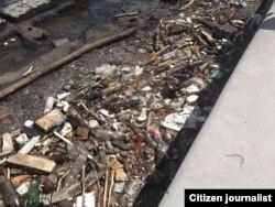 Basura acumulada en el Malecón.