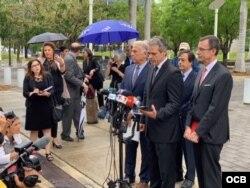 Presentación de las primeras demandas al amparo del Título III de la Ley Helms-Burton el 2 de mayo. (Foto: Ricardo Quintana).