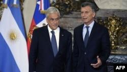 Los presidentes de Chile, Sebastián Piñera y de Argentina, Mauricio Macri (der.).