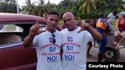 Iván Amaro (izq.) y Abel Bello el 13 de agosto de 2016. Foto Cortesía de Disneidis Ortiz.