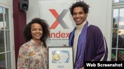 Luis Manuel Otero Alcántara y Yanelis Núñez reciben el Premio a la Libertad de Expresión para las Artes de la organización Index on Censorship por su proyecto Museo de la Disidencia.
