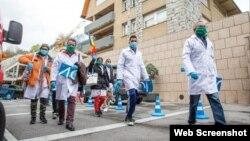 Médicos cubanos en Andorra. (Foto tomada del Diario de Andorra)